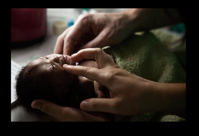 Lo que le puede pasar a un bebé en Guinea Bissau